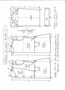 Esquema de modelagem de casaco de menina com gola alta tamanho 2.