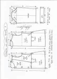 Esquema de modelagem de casaco de menina com gola alta tamanho 8.